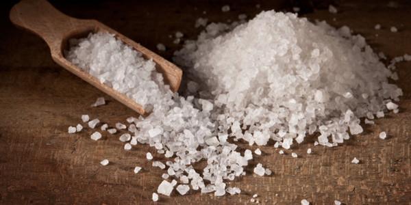 Giảm ngứa vùng kín bằng nước muối 1